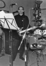 """Un gruppo di foto finora mai uscite dagli archivi dell'LMT Fancléb: ancora Ex-Caserme Rosse, dicembre 1990, stanchezze e allegrezze dei Nostri Teritalsi mentre producono """"Altri Nani"""". Qui vediamo Ronnie Shetland con il suo inseparabile NinoBix Bass nero. #LMT #linoeimistoterital #records #vinyle #theeighties #80s #altrinani #italianrock #Bologna #bass"""