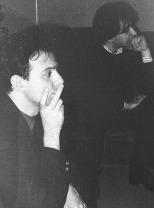 Le lunghe ore di studio di registrazione a riascoltare le bobine che tornano indietro sono visibili sui volti dei nostri amici (in questa foto: Phil e Steve Cotton).