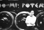"""Festa di presentazione per l'uscita di """"Bravi Ma Basta"""", deposito delle Locomotive FS, Bologna, 25/06/1988. Occasione per Grande Adunanza di amici e collaboratori, sotto lo sguardo vigile di Giancarlo Passarella. #LMT #iBanaloidi #Linoeimistoterital #BraviMaBasta #records #vinyle #Eighties #80s' #FS #trains #railways"""