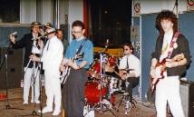 """Festa di presentazione per l'uscita di """"Bravi Ma Basta"""", deposito delle Locomotive FS, Bologna, 25/06/1988. Basta parlare, adesso suonare. #LMT #band #Linoeimistoterital #BraviMaBasta #records #vinyle #Eighties #80s' #FS #trains #railways"""