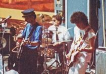 """Festa di presentazione per l'uscita di """"Bravi Ma Basta"""", deposito delle Locomotive FS, Bologna, 25/06/1988. Basta parlare, adesso suonare. #LMT #italianRock #Linoeimistoterital #BraviMaBasta #records #vinyle #Eighties #80s' #FS #trains #railways"""