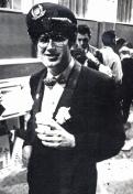 """Festa di presentazione per l'uscita di """"Bravi Ma Basta"""", deposito delle Locomotive FS, Bologna, 25/06/1988. ted Nylon pronto per venderne ed eventualmente acquistarne. #LMT #Linoeimistoterital #BraviMaBasta #records #vinyle #Eighties #80s' #FS #trains #railways"""